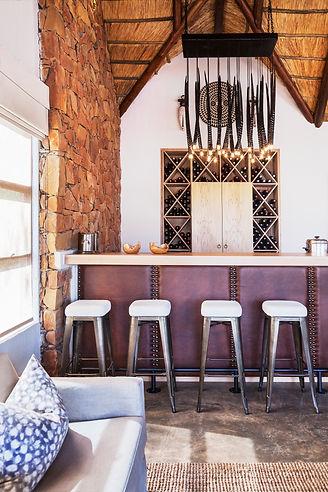 Esiweni Luxury Safari Lodge-bar .jpg
