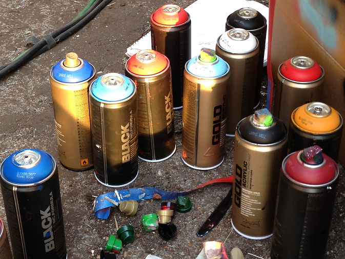 Montana spray paint cans