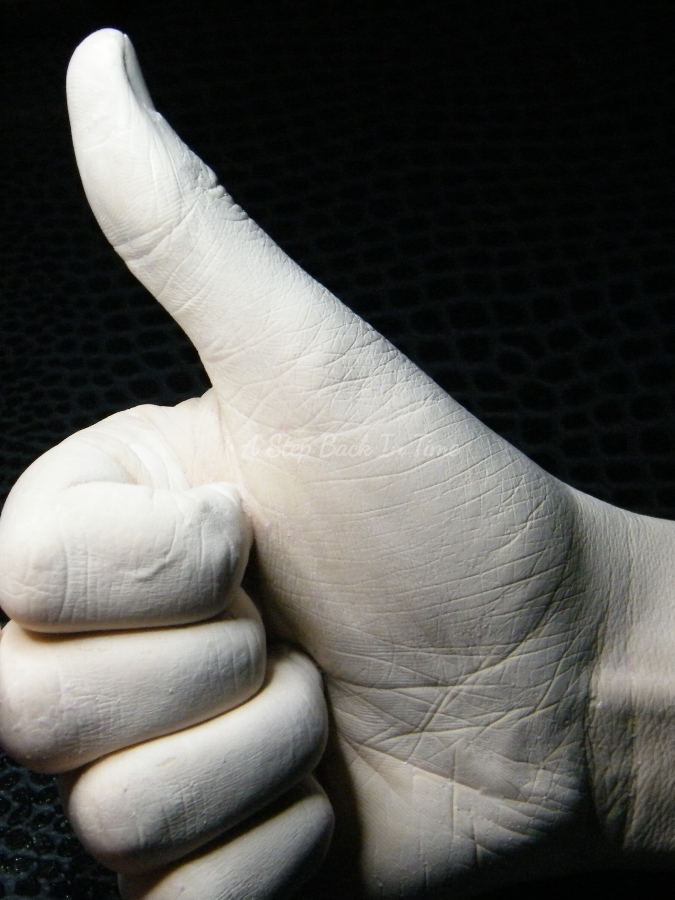 Thumbs Up Life Cast