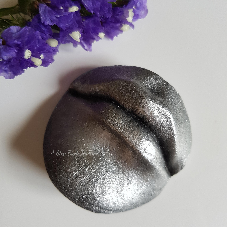 Lip Cast
