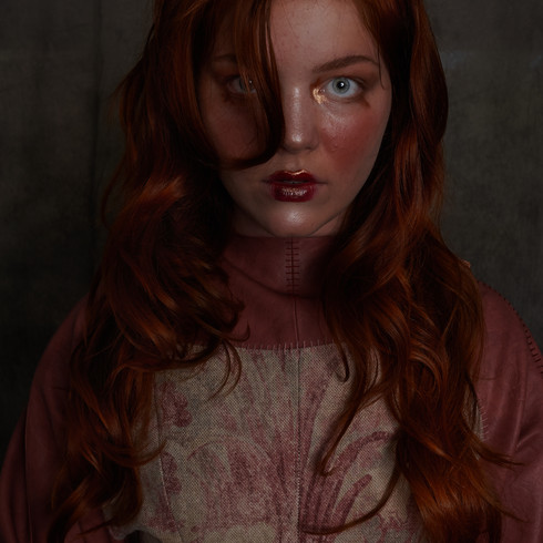 Photographer: Chantal Brink Designer: Saskia van Rens MUAH: Eva Heyden Model: Annelieke Joosten