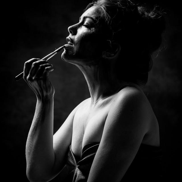 Photographer: Eduardus Lee MUAH: Ingeborg Soolsma Model: Annelieke Joosten