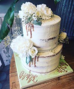 cake gender reveal