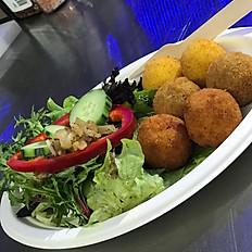 6 mini arancini served with garden salad and balsamic vinagrette