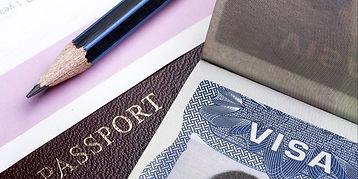 20151106173705-us-visa-work-visa-desk-mo