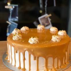 Caramel Popcorn Cake.jpeg