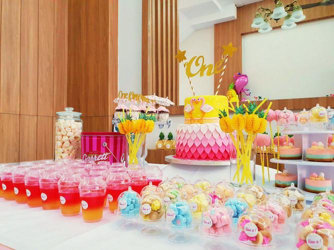 Tessa 1st (Dessert table).jpg