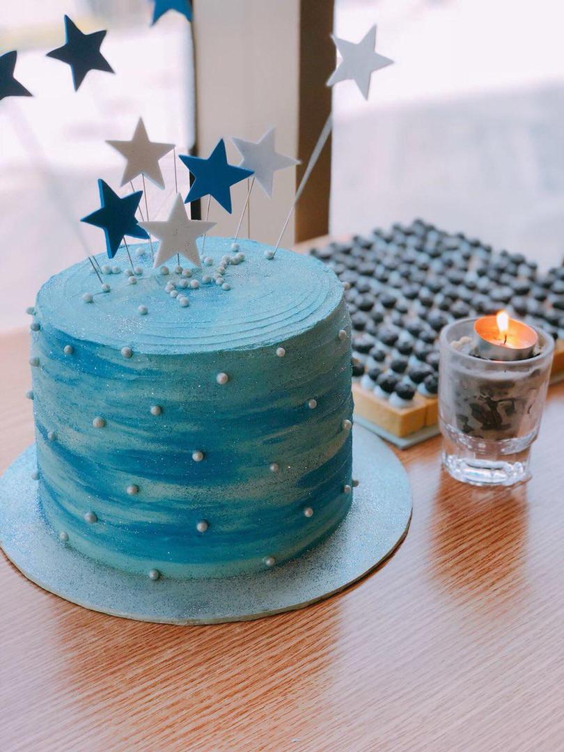 Blue Cake for Birthday.jpg