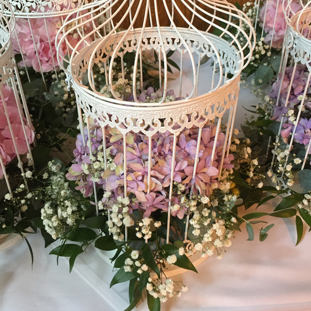 Table arrangement - Bird cage