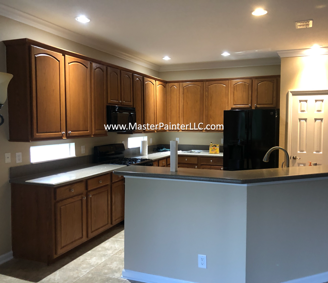 Kitchen walls and trim