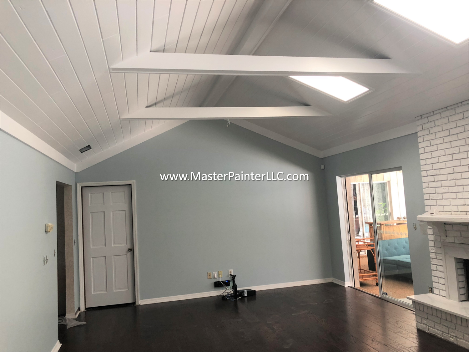Living room walls, ceiling and trim