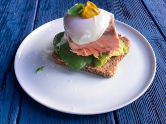Poschiertes Ei | Lachs | Avocado | Dill-Mayo