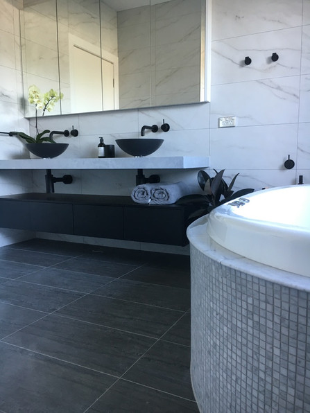 Black & White Timeless Bathroom