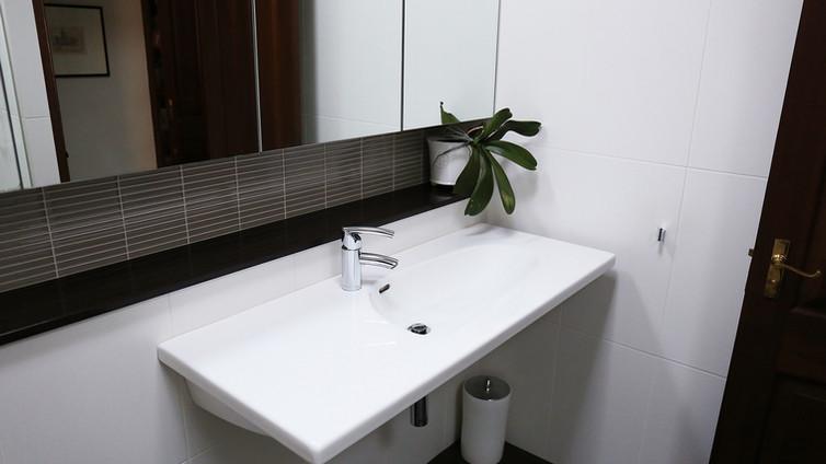 Bathroom for Sue & Roberto