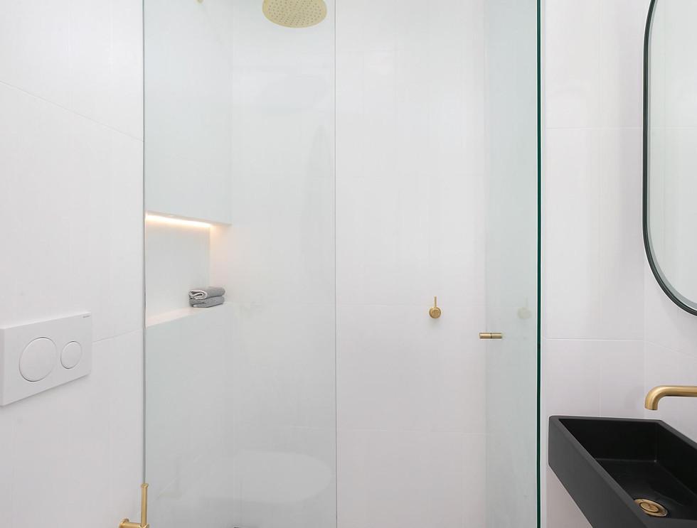 Bathroom | Potts Point Apartment