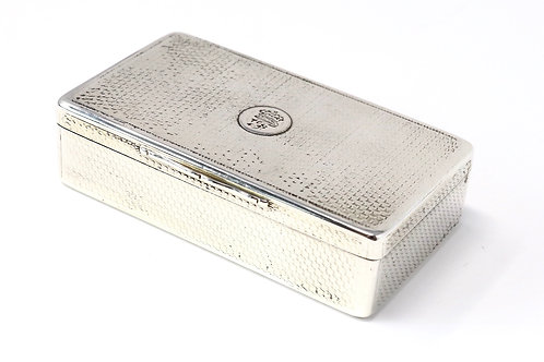 A Very Nice Heavy Antique Early Victorian C1842 Solid Silver Snuff Box CR & WS
