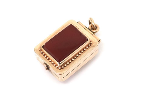 A Nice Heavy Antique Victorian 9ct Rose Gold Agate & Tigers Eye Locket Pendant