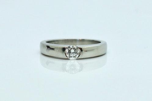 A Fine Quality Modern Platinum 0.32ct Diamond Solitaire Ring