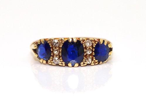 A Fine Antique Edwardian C1906 18ct Gold Cushion Cut Sapphire & Diamond Ring