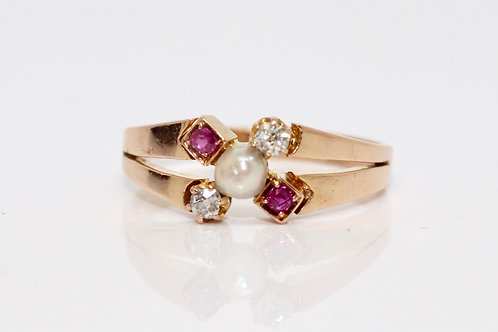 A Lovely Antique Edwardian 18ct 750 Rose Gold Pearl Ruby & Old Cut Diamond Ring