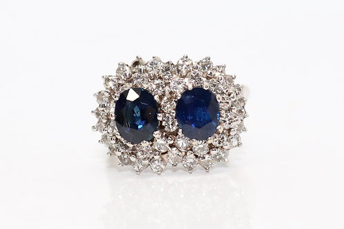 A Fine Vintage 18ct 750 White Gold Sapphire & Diamond Double Cluster Ring