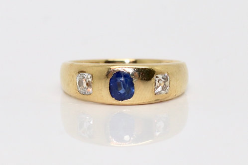 A Fantastic Antique Victorian 18ct 750 Gold Sapphire & 0.30ct Diamond Gypsy Ring