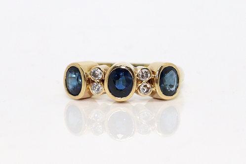 A Fine Vintage 18ct 750 Yellow Gold 0.75ct Sapphire & Diamond Half Eternity Ring