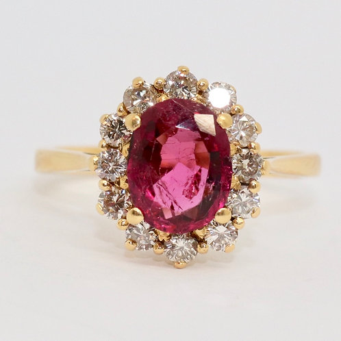 A Beautiful 18ct 750 Gold Vintage 2.0ct Tourmaline & 0.40ct Diamond Cluster Ring