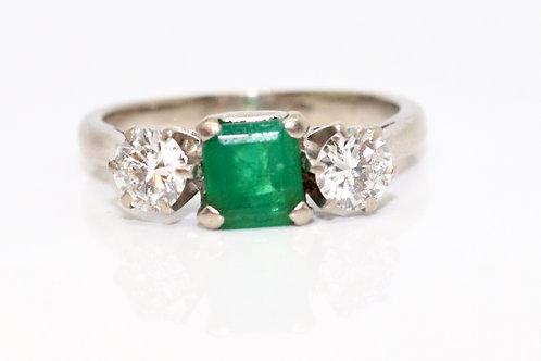 A Vintage C1950's 18ct Gold 0.75ct Princess Cut Emerald & 0.60ct Diamond Ring