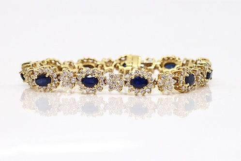 A Beautiful Vintage 18ct Yellow Gold Sapphire & Diamond Cluster Line Bracelet
