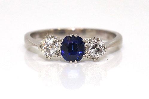 A Nice Antique Art Deco 18ct 750 White Gold Sapphire & Diamond Three Stone Ring