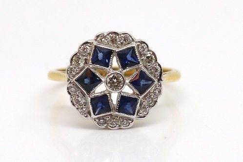 A Stunning Antique Art Deco 18ct 750 Yellow Gold Sapphire & Diamond Cluster Ring