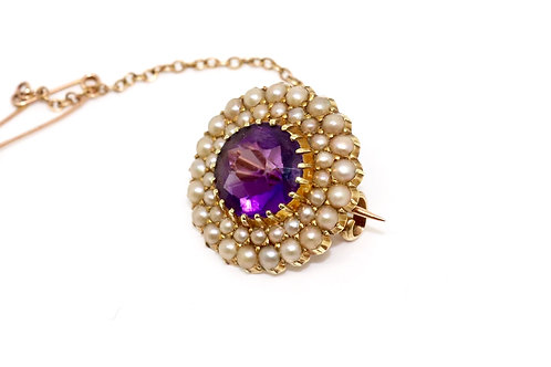 A Stunning Antique Victorian 15ct 625 Gold Amethyst & Seed Pearl Brooch