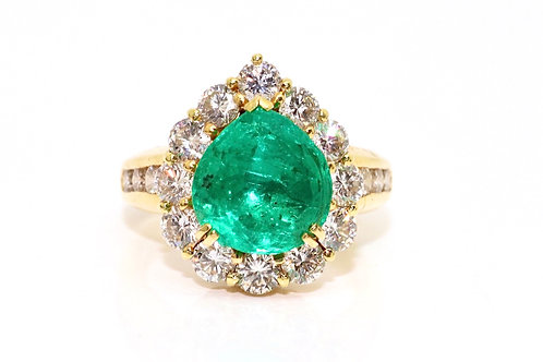A Marvelous Vintage 18ct 750 Gold 2.88ct Emerald & 1.40ct Diamond Cluster Ring