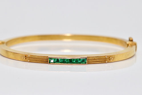 A Stunning Antique Victorian 15ct 625 Yellow Gold 5 Stone Emerald Bangle