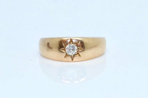A Stunning Antique 18ct 750 Yellow Gold 0.10ct Diamond Single Stone Gypsy Ring