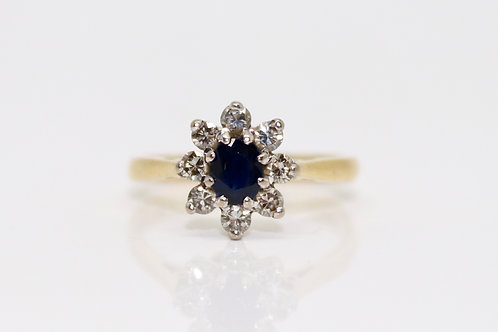 A Pretty Vintage 18ct Yellow Gold Sapphire & 0.20ct Diamond Cluster Ring
