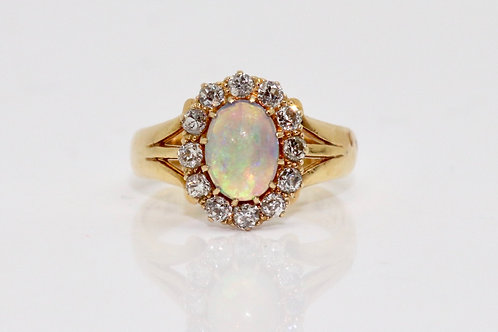 An Antique Victorian C1900 18ct Gold 1.10ct Opal & Diamond 0.30ct Cluster Ring