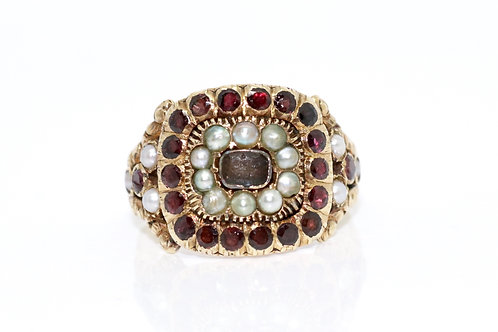 A Lovely Antique Georgian 18ct 750 Yellow Gold Garnet & Pearl Cluster Ring