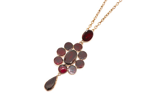 A Fine Antique Georgian 9ct 375 Rose Gold  Flat Cut Almandine Garnet Necklace