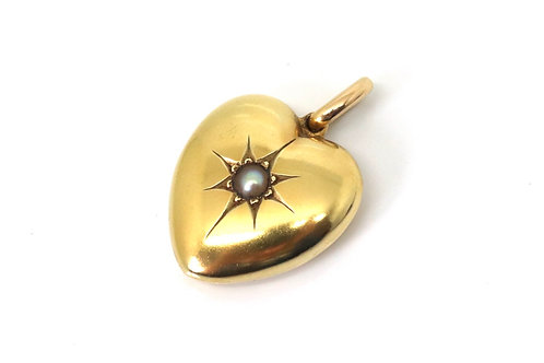 A Nice Quality Antique Victorian 15ct Gold Heart Shaped Pearl Locket Pendant