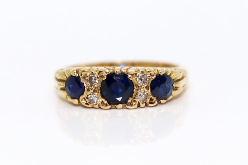 A Quality Vintage Victorian style 18ct Gold Sapphire & Diamond Three Stone Ring