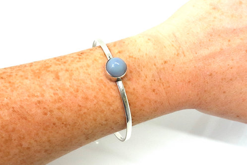 A Nice Vintage C1965 Modernist 925 Sterling Silver Chalcedony Agate Slave Bangle