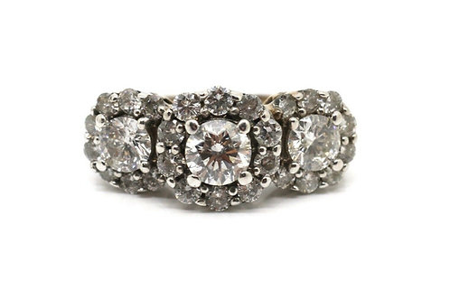 A Splendid Heavy Modern 14k 585 White Gold 1.80ct Diamond Cluster Ring
