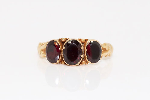 A Striking Antique Mid Victorian 15ct 625 Gold Almandine Garnet Three Stone Ring
