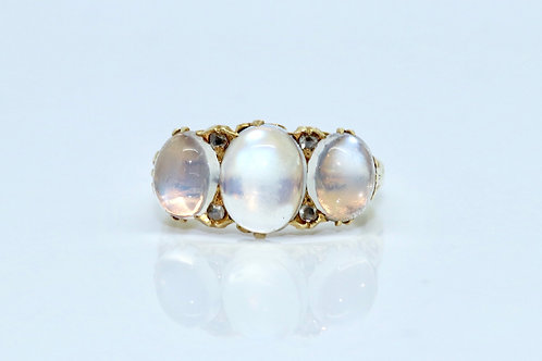 A Fine Antique Victorian 18ct Gold Cabochon Moonstone & Rose Cut Diamond Ring