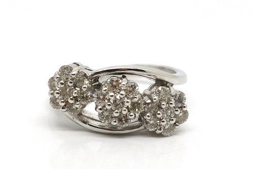 A Splendid Heavy Modern 18ct 750 White Gold 1.00ct Diamond Triple Cluster Ring