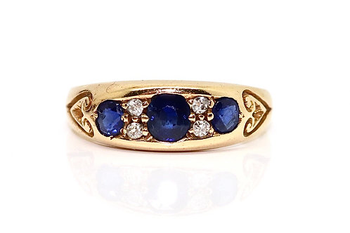 A Fine Quality Antique Edwardian C1903 18ct Gold Sapphire & Diamond Band Ring