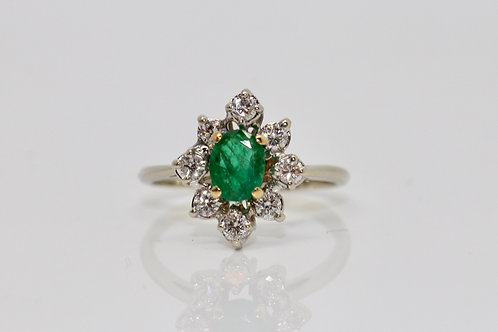 A Fine Quality Vintage 18ct 750 White Gold Emerald & 0.40ct Diamond Cluster Ring