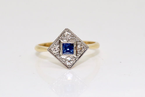 A Nice Art Deco 18ct Yellow Gold & Plat Natural Sapphire & Diamond Cluster Ring